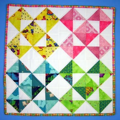 This is a simple and attractive block design :) : Quilts Patterns, Quilts Inspiration, Mom Quilts, Cute Ideas, Quilts Pleasures, Quilts Ideas, Tgif