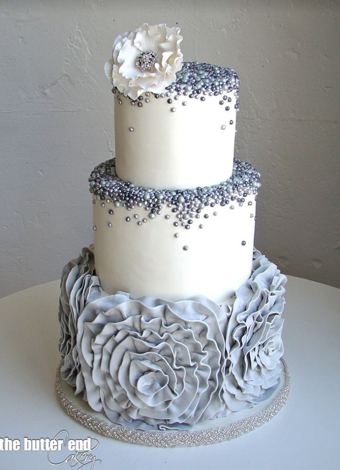 Cake: The Butter End Cakery; To see more gorgeous cake details: http://www.modwedding.com/2014/11/13/our-absolutely-favorite-wedding-cakes/ #wedding #weddings #wedding_cake #goldweddingcakes
