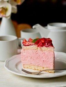 """Торт """"Клубничный мусс"""""""