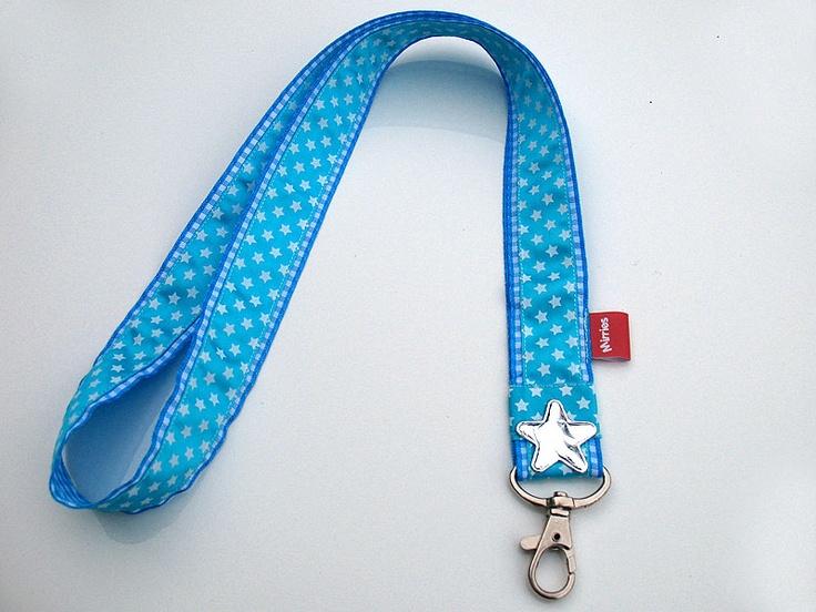 aquablauw keycord met sterretjes