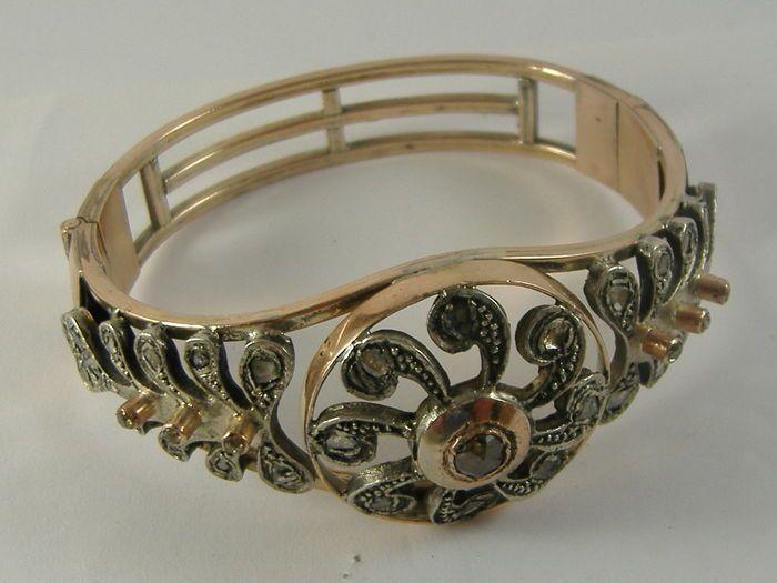 Catawiki, pagina di aste on line  Bracciale oro 9 carati con diamanti taglio kt 12,20 grezzo e rubini epoca fine 1800