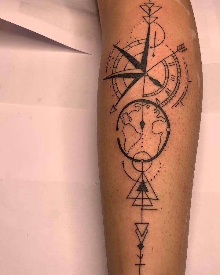 Compass Tattoos Arm, Compass Tattoo Design, Cool Forearm Tattoos, Geometric Tattoo Design, Leg Tattoos, Sleeve Tattoos, Couples Tattoo Designs, Tattoo Designs For Women, Sextant Tattoo