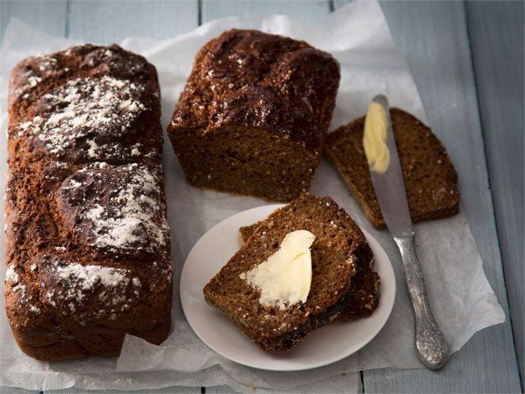 Saaristolaisleipä, Nauvon limppu valmistetaan piimään. Sen maku on parhaimmillaan päivä, pari valmistuksesta. http://www.valio.fi/reseptit/saaristolaisleipa-1/ #resepti #ruoka