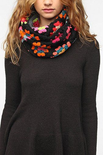 A granny square infinity scarf? I could do that!