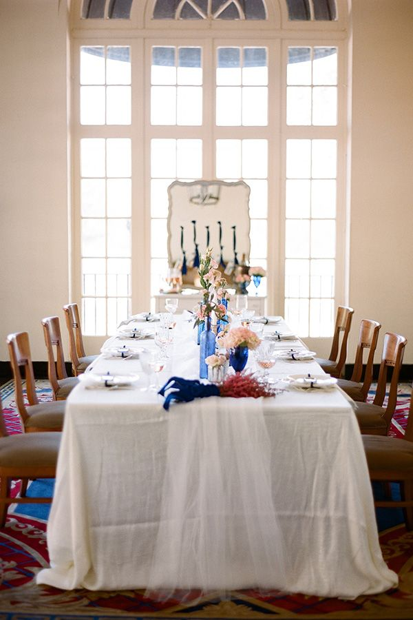 Reception ideas from Ashton Events: A simple wedding table setting. So easy and calm-looking!