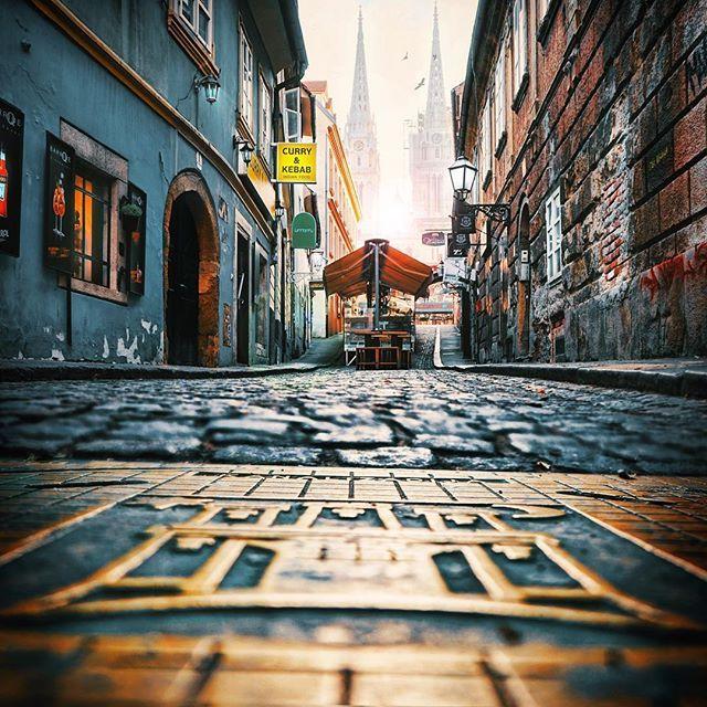 El Dorado Eldorado Manhole Manholecover Oldtown Zagreb Hrvatska Croatia Ilovecroatia Visitcroatia Igersviennaontour Visit Croatia El Dorado Old Town