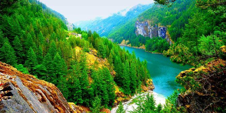 Râul Skagit din North Cascades, Washington