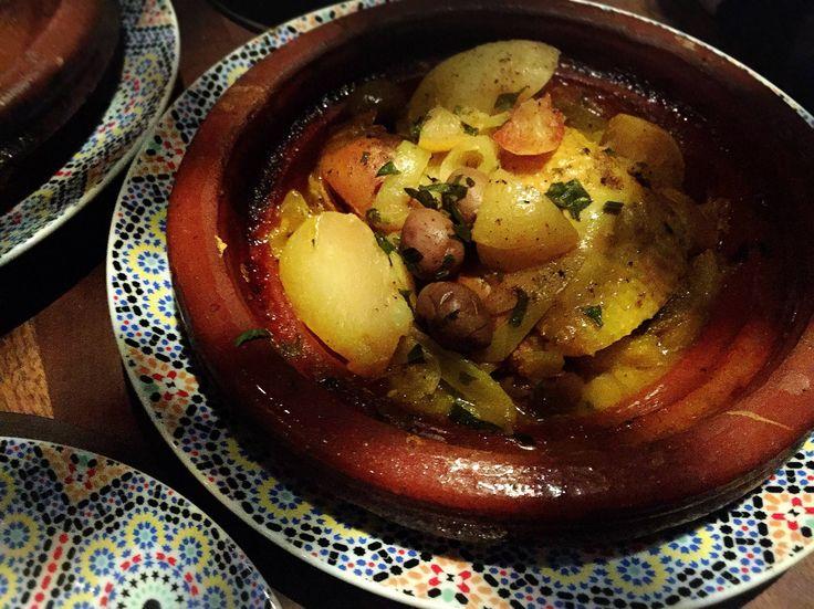パリでは、撮影以外ほとんど身動きが取れなかったのですが、初日の夜にずっと気になっていたレストラン Le 404 に行くことができました。 モロッコ! まるで異国の地(まあパリも異国の地ですが