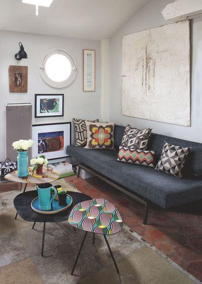 Un appartement qui mixe les styles à Paris. Plus de photos sur Côté Maison http://petitlien.fr/85rx