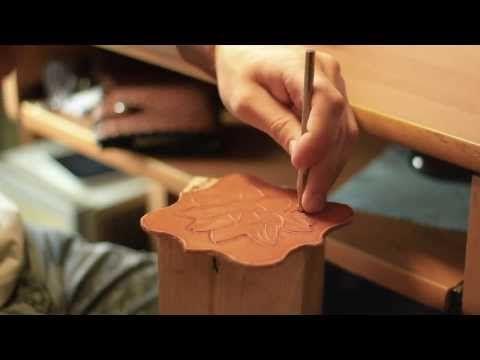 Кожевенная мастерская 'Закутокъ' во Владивостоке - YouTube