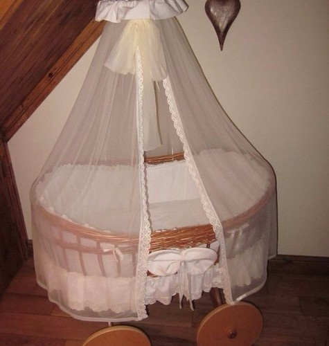 Wicker Moses Basket Crib On Wheels Baby Moses Amp Nursery