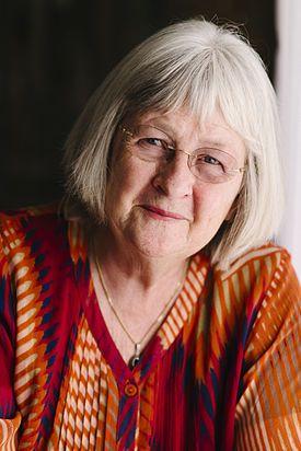 Barbro Lindgren din Suedia este o autoare de cărţi pentru copii. Aceasta a fost nominalizată în anul 2004 pentru premiul internaţional Hans Christian Andersen, cu toate că nu s-a numărat printre finalişsti, aceasta câştigă 10 ani mai târziu, în 2014 Premiului Memorial Astrid Lindgren pentru contribuţia sa uluitoare în literatura pentru copii.