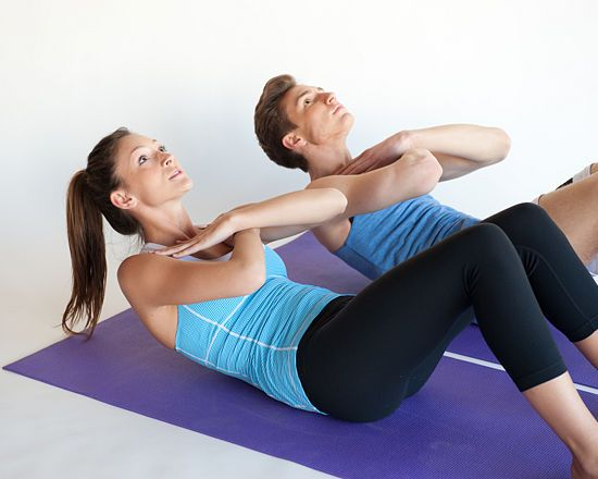 How to Do Crunches: 4 Methods - wikiHow