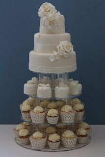 traditional wedding cake & modern cup cakes vintage style - awesome!