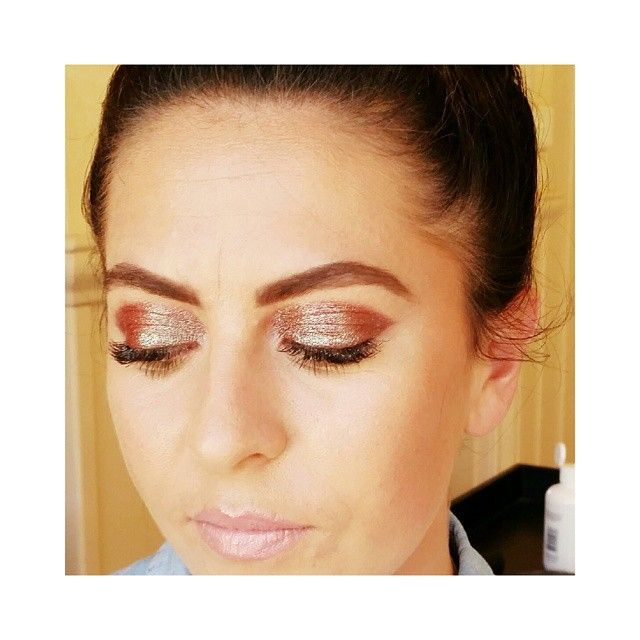 """""""IT'S FRIDAY ##love #hairstylist #hair #beauty #picoftheday #damngirl #mua #makeup #artist"""" copper metallic sparkles ... baby pink lips ahhhh what a dream"""