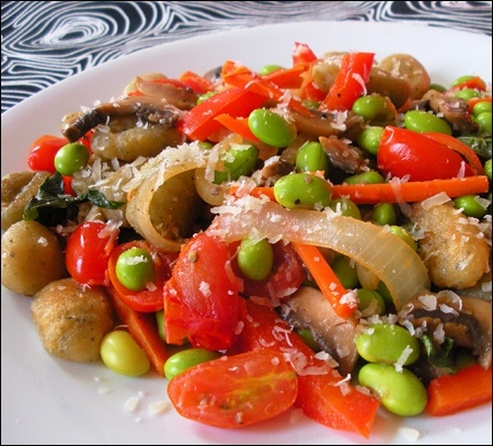 Gnocchi w/ edamame and vegetables | Food, Festivites and Friends ...