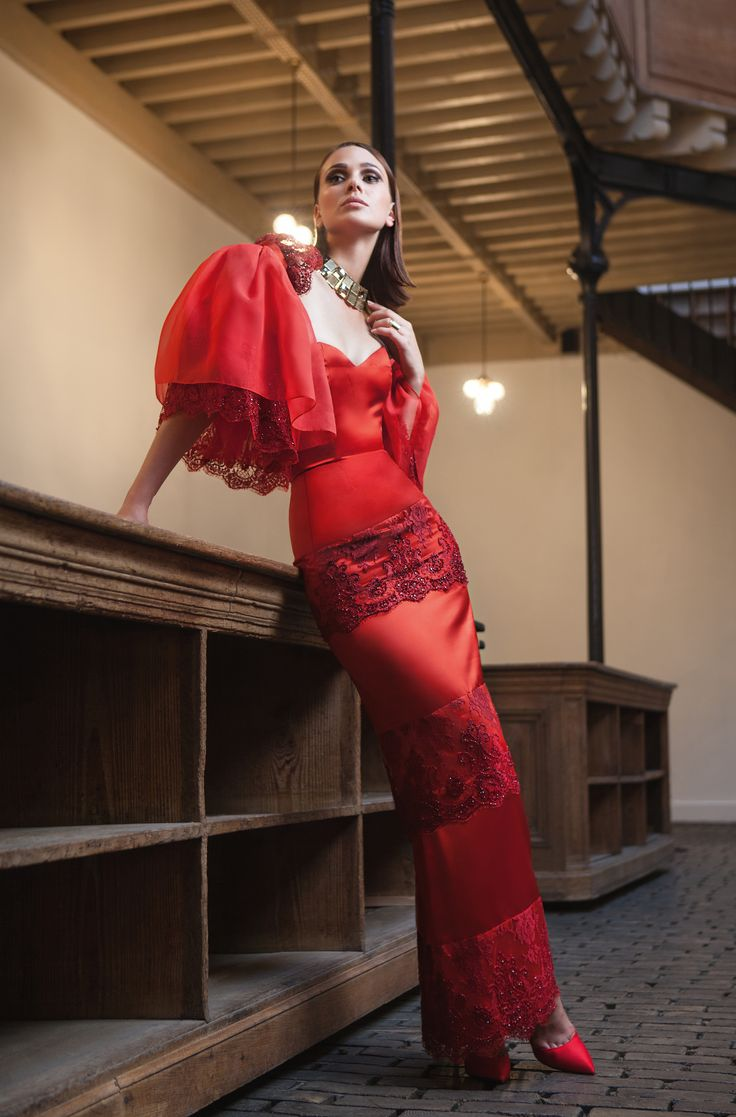 ''ROSE ROUGE'', AUTUMN-WINTER 2015/16 on Rendez-Vous de la Mode Haute Couture/Bride. Issue 7, September 2015. Photographed by Isshogai.  Silk hourglass gown with lace ruffles with embroidered details.