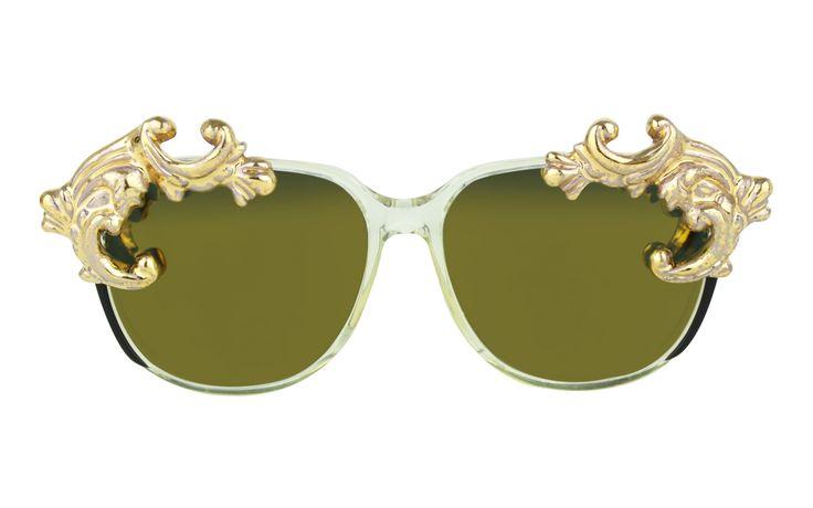 One of the main trends of the season: RUNWAY GOLD | MOO EYEWEAR G/S DESIRE 1 GOLD sunglasses