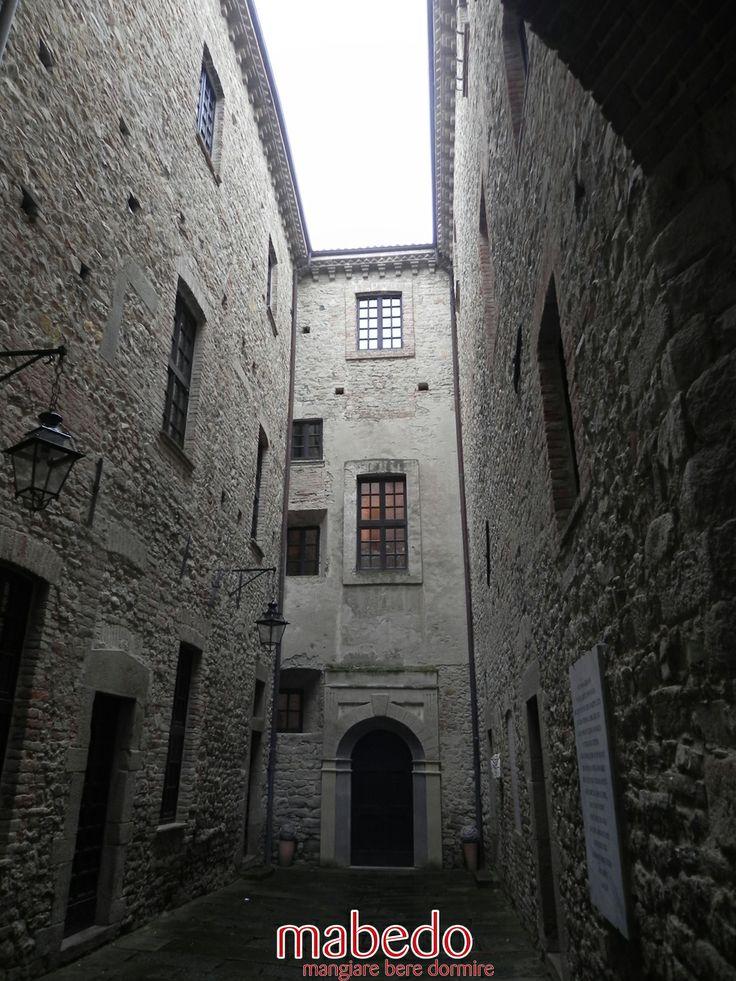 Il cortile del Castello Dal Verme di Zavattarello