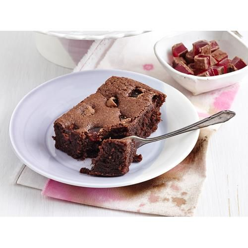 Flourless turkish delight brownies recipe. Treat your sweet tooth with these divine flourless Turkish delight brownies! The perfect treats to make this weekend!  #Dessert #Slice #ModernAustralian #Chocolate