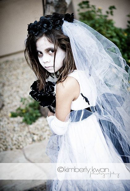 My daughter wants to be a zombie bride!                                                                                                                                                                                 Más