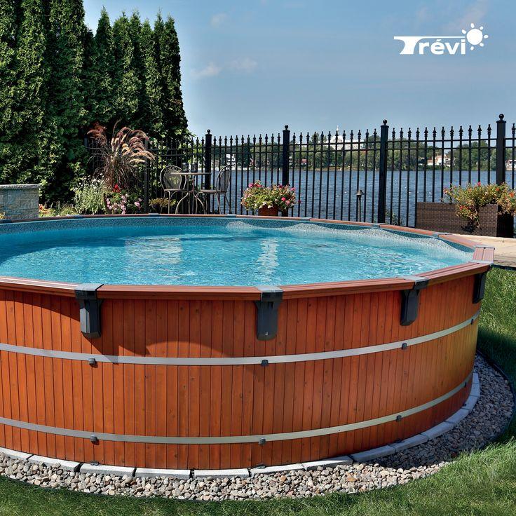 Disponible en format semi-creusée ou entièrement hors terre, la Trévi Frontenac est la plus polyvalente de toutes nos piscines de cèdre. Offrez-vous une piscine stable et solide qui transformera votre cour en oasis aux allures naturelles. Un véritable investissement dans votre propriété !