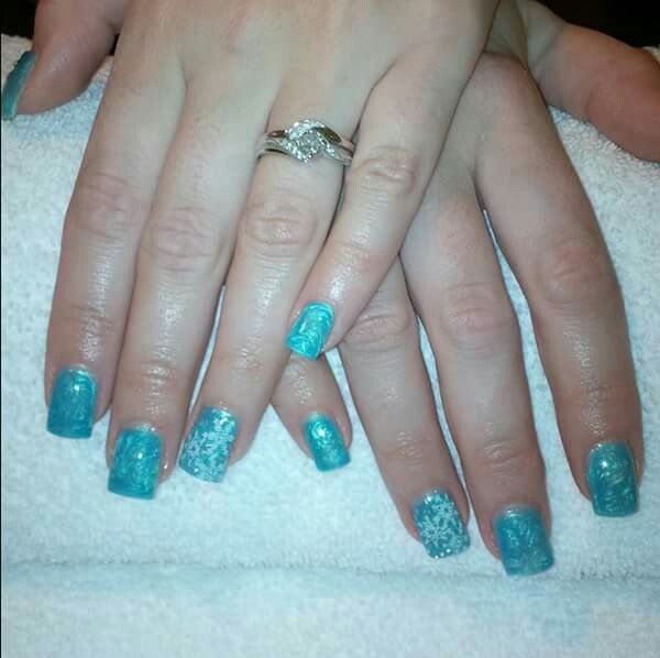 LCN #gelnails #bling #silver #stamping #blue #snowflakes #christmas #white #LCNproductsonly #facebookgetnailedbyApril
