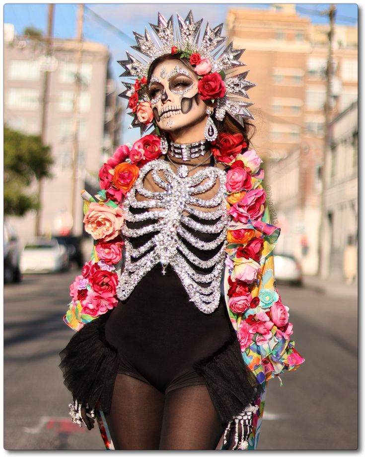 Super Beautiful and sparkle Catrina SLVH ♥♥♥ Soirée Halloween, Halloween Inspo, Halloween Cosplay, Halloween Costumes, Vintage Halloween, Fancy Dress, Dress Up, Fantasias Halloween, Sugar Skull Makeup