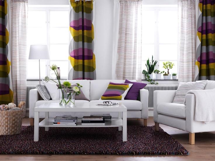 Wohnzimmer Mit KARLSTAD Sofa MALIN Textilien RSTED Teppich
