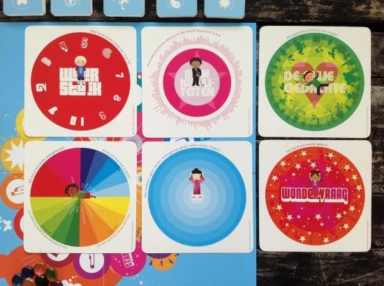 In het 'wonderspel' help je een kind met zijn speldoel. In 12 stappen krijgt het kind de mogelijkheid om zijn eigen kwaliteiten te onderzoeken en inzichten te krijgen.    In het Wonderspel worden kinderen geprikkeld om al hun intelligenties aan te boren. Zowel linker- als rechterbrein worden geactiveerd. Door dit te doen zijn kinderen beter in staat te onthouden wat ze leren. Dat maakt leren leuker. Meer informatie vind je op www.wonderspel.nl