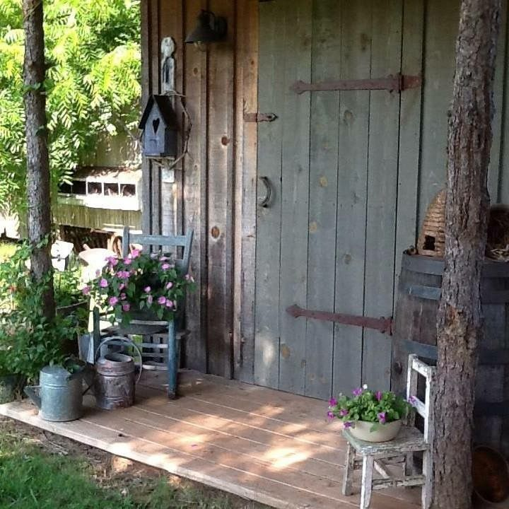 The 25 best rustic shed ideas on pinterest for Rustic shed with porch