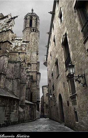 Barcelona catedral surroundings