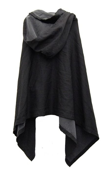 Black cloak, a totally reasonable accessory for a rainy urban dweller // Comme…