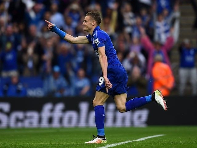 Result: Jamie Vardy scores as Leicester beat Swansea to earn first win in title defence