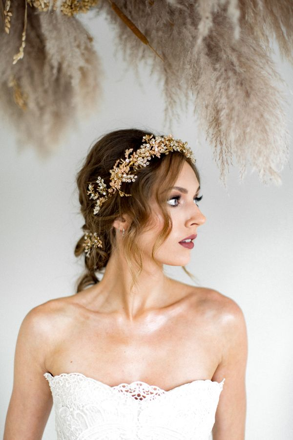 elegant delicate Hair stick gold pearls natural freshwater pearls and silver leaves boho romantic wedding hairstyle Fine jewelry