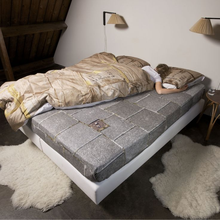 """Sleep On The Street, So A Homeless Child Doesn't Have To :: Proceeds of the """"Le-Trottoir"""" bed cover go to various foundations in Europe that help homeless youngsters. More info: http://chennibus.com/?p=2816"""