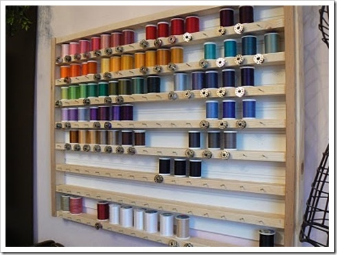 Thread storage. I think I can make this from yardsticks. Wouldn't that be cute?  Sewmanyways.blogspot.com