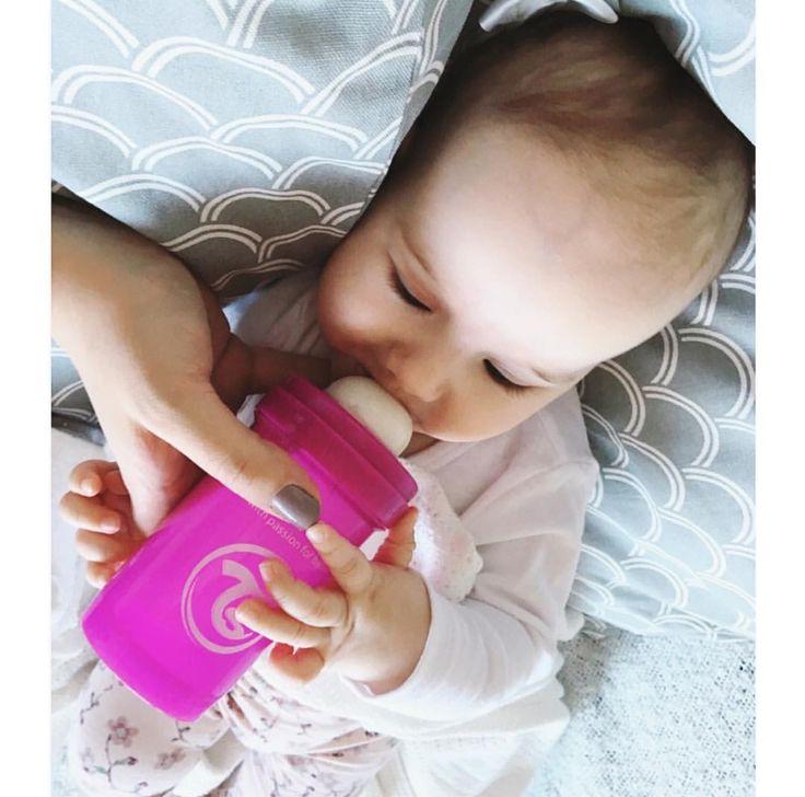 Enjoying food :) #twistshake #babybottle