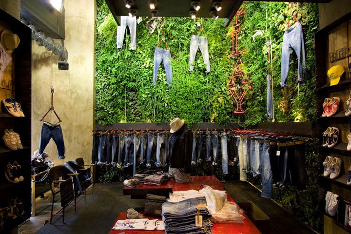 Replay Store by Vertical Garden Design, Florence