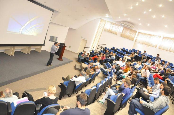Desafio Empreenda Botucatu chega à reta final  - O Parque Tecnológico de Botucatu recebeu na sexta-feira (25) a etapa de seleção dos finalistas do Programa de Mentoria e Concurso do Desafio Empreenda Botucatu 2016, uma iniciativa do NEI (Núcleo de Empreendedorismo e Inovação) com a Escola de Negócios Sebrae-SP. De 34 projetos inscritos, dez poder - http://acontecebotucatu.com.br/geral/desafio-empreenda-botucatu-chega-reta-final/