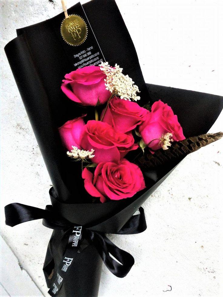 Flowerpotts.co.nz Florist Hawera Bouquet Black Roses Pink