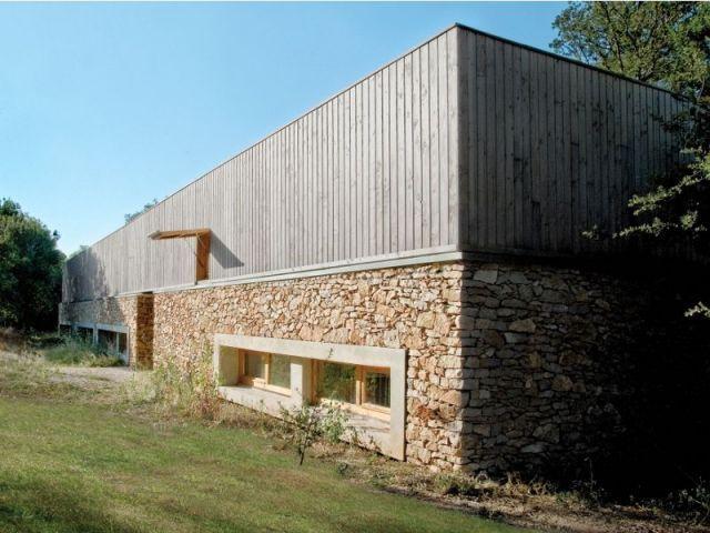 maison Pierre Audat, une maison neuve au look ancien : http://www.maisonapart.com/edito/construire-renover/gros-oeuvre-construction/une-maison-neuve-au-look-ancien-8365.php?page=12