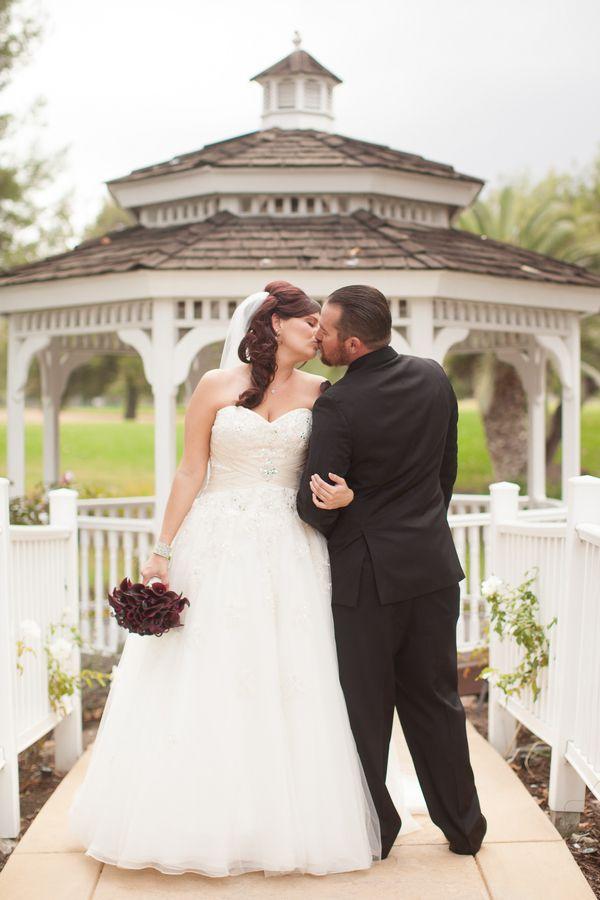 {Real Plus Size Wedding} Purple Ombre California Wedding | Becca Rillo Photography