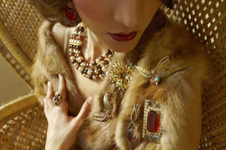Estola de piel vintage, collar vintage y broches antiguos by L'Arca Barcelona #4MSvintage