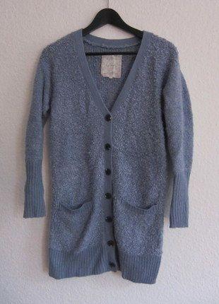 Größe XS Kaufe meinen Artikel bei #Kleiderkreisel http://www.kleiderkreisel.de/damenmode/cardigans/138126572-blauer-cardigan-von-yaya