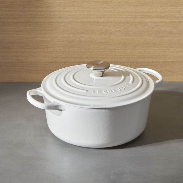 Le Creuset ® Signature 5.5-Qt. Round White French Oven with Lid | Crate and Barrel