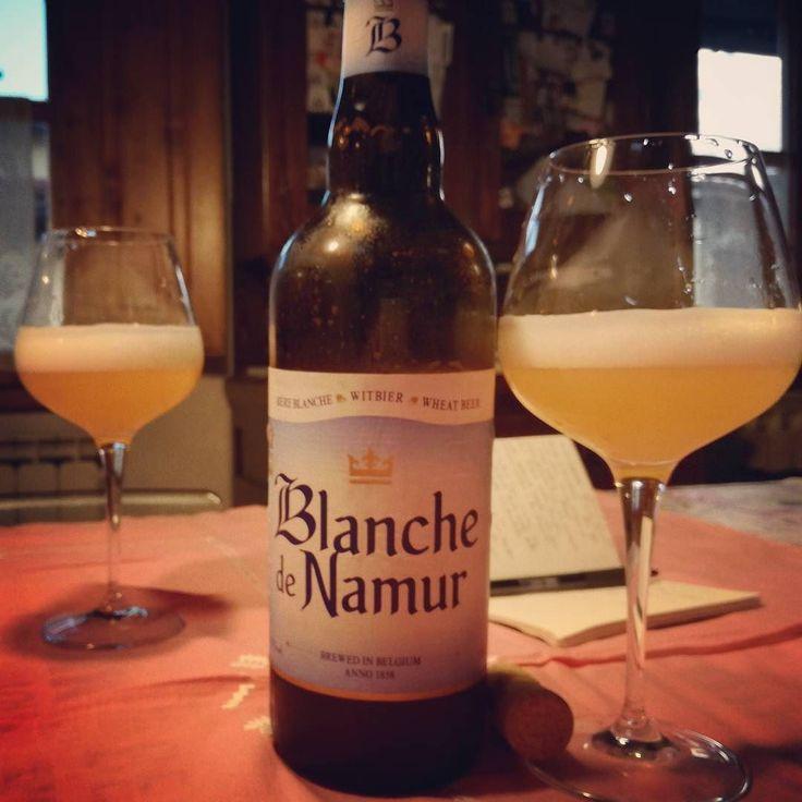Blanche de Namur brasserie Du Bocq. #witbier #blanche #birraartigianale #birra #cerveza #bier #biere #cerveja #pivo #beerporn #instabeer #cervejaartesanal #breja #beergeek #beerstagram #piwo #beerlover #øl #instacerveja #beeroftheday #beer #craftbeer #cervejaespecial #beergram #ilovebeer #instabeer #instapic #picoftheday