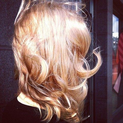 Blond caramel hair - vaalea toffee