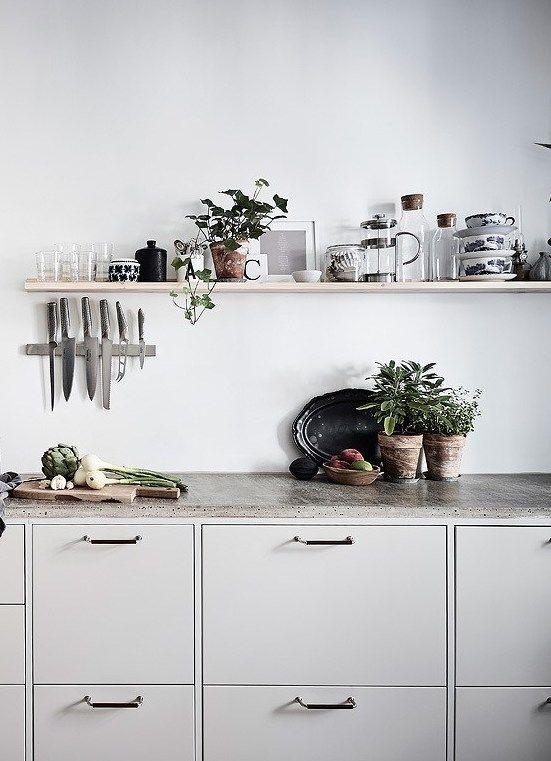 10 inspiring kitchens in grey - via Coco Lapine Design blog | @juliaalena