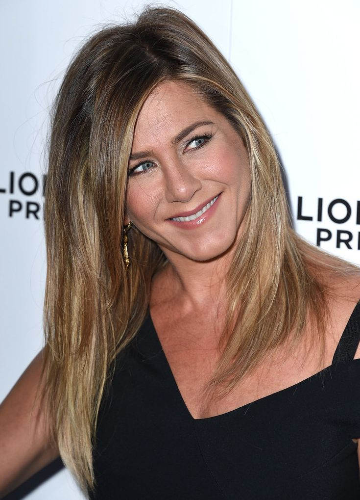 Jennifer Aniston Talks Hair Care and Why You Shouldn't Get Botox